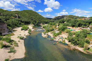 Discover the Languedoc Roussillon forests and rivers.